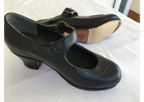 Zapatos niña Dolores piel negro talla 33