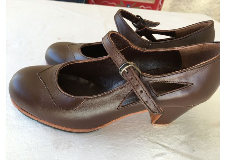 Flamenco shoes Mercedes - arteFYL - brown leather - size 34